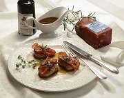 Pork fillet medallions with a light balsamic vinegar sauce
